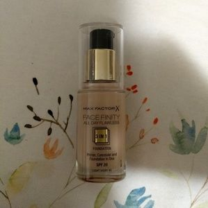 3 for $10! Max Factor Facefinity 3 in 1 Foundation